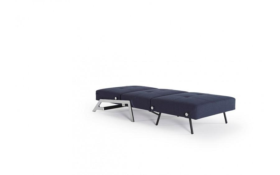 Fotel Cubed z nogami chromowanymi